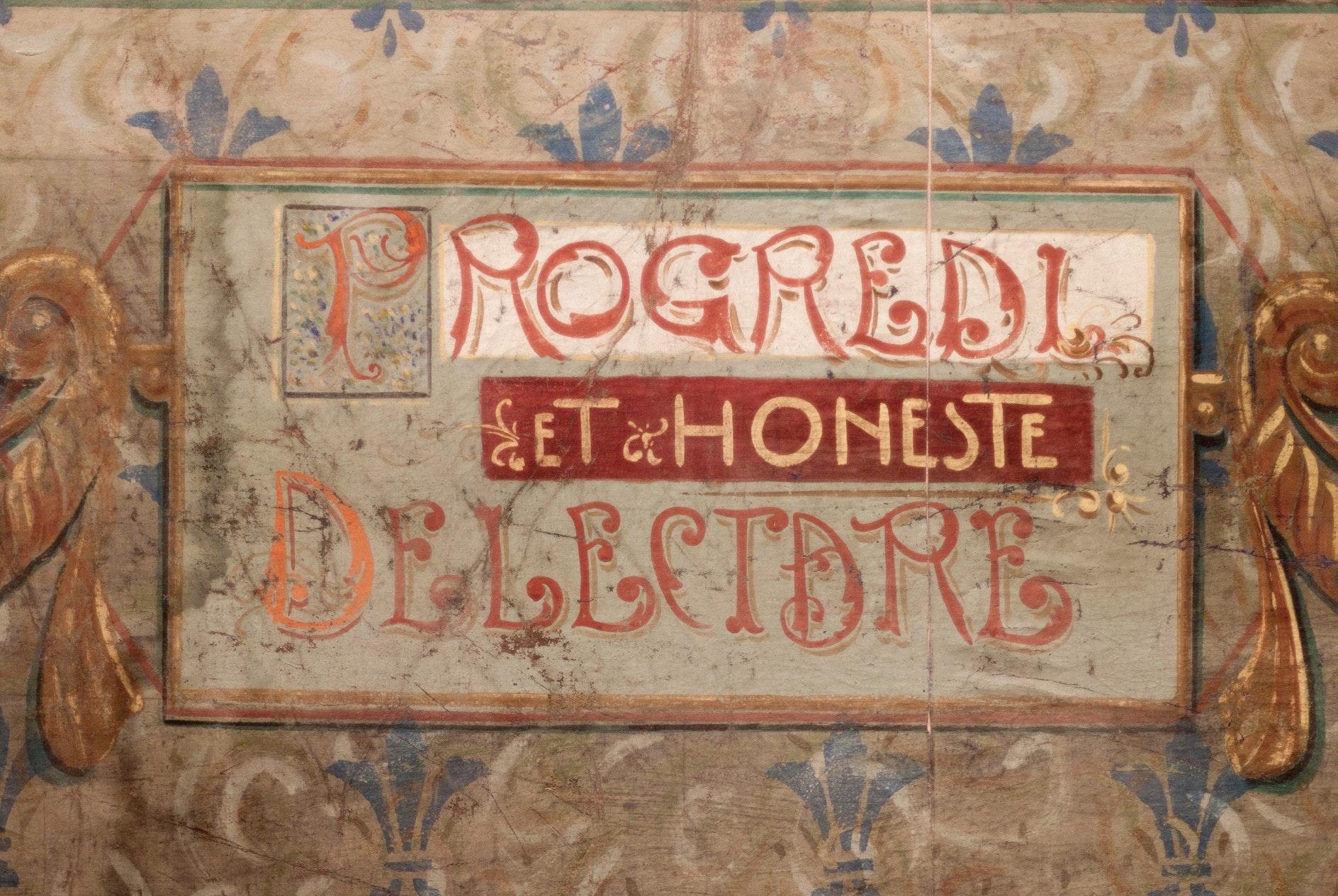 Iscrizione del sipario affrescato, TEATRINO DI VETRIANO, PESCAGLIA (LU )