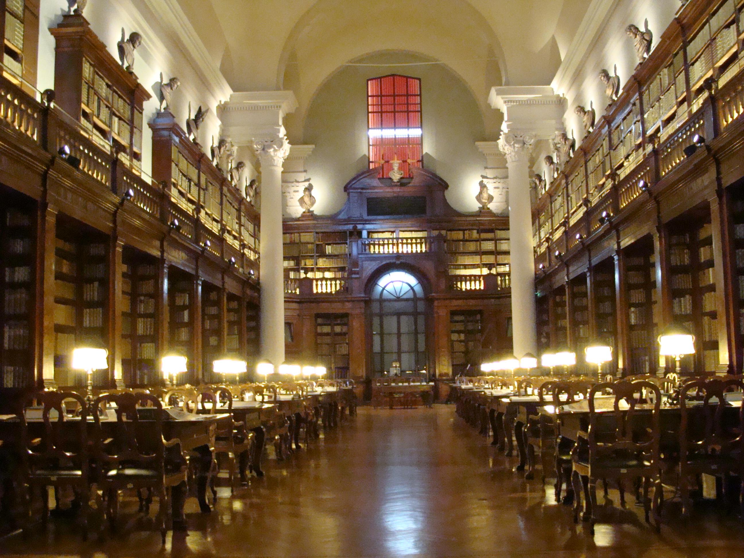 Risultati immagini per Biblioteca Universitaria di Bologna Via Zamboni, 33/35 - Bologna