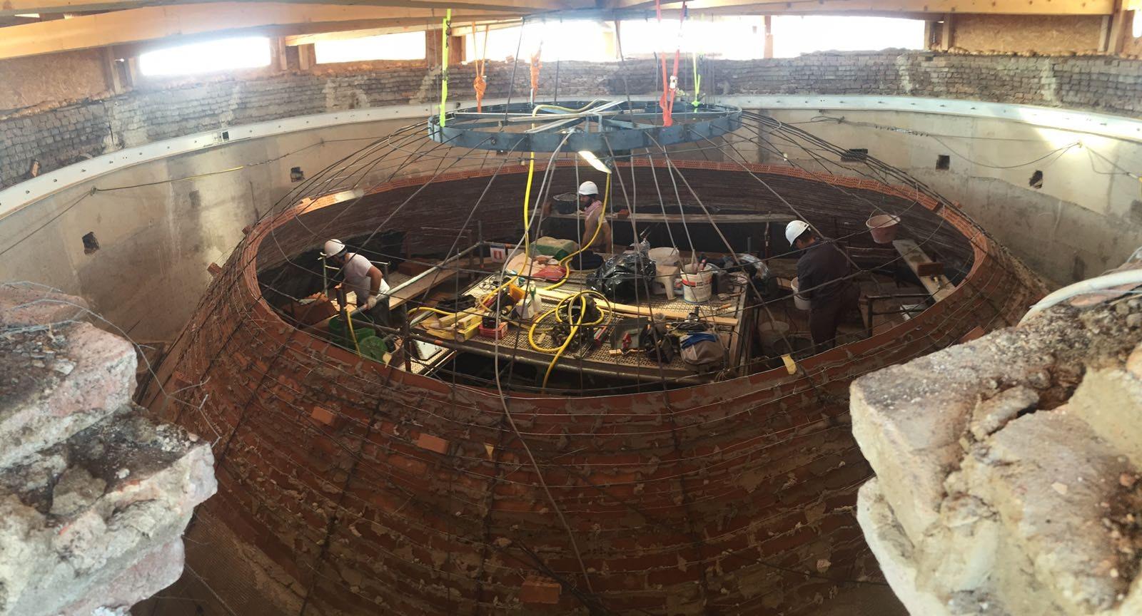 Lavori di ristrutturazione della cupola crollata dopo il terremoto