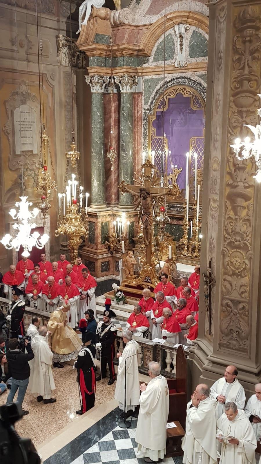 Crocifisso ligneo del XIII secolo nella Collegiata di Santa Maria Maggiore, COLLEGIATA S. MARIA MAGGIORE, PIEVE DI CENTO (BO )