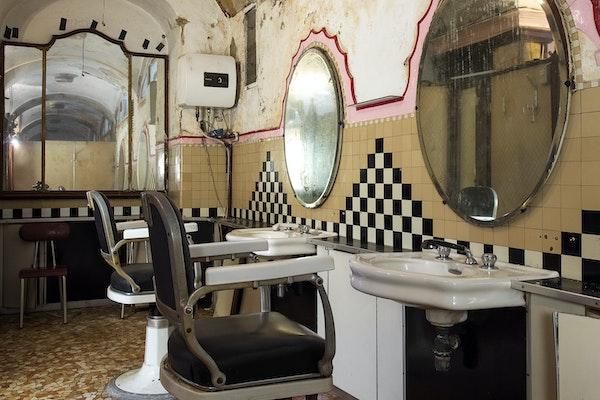 Salone per barbiere, ALBERGO DIURNO VENEZIA, MILANO (MI )