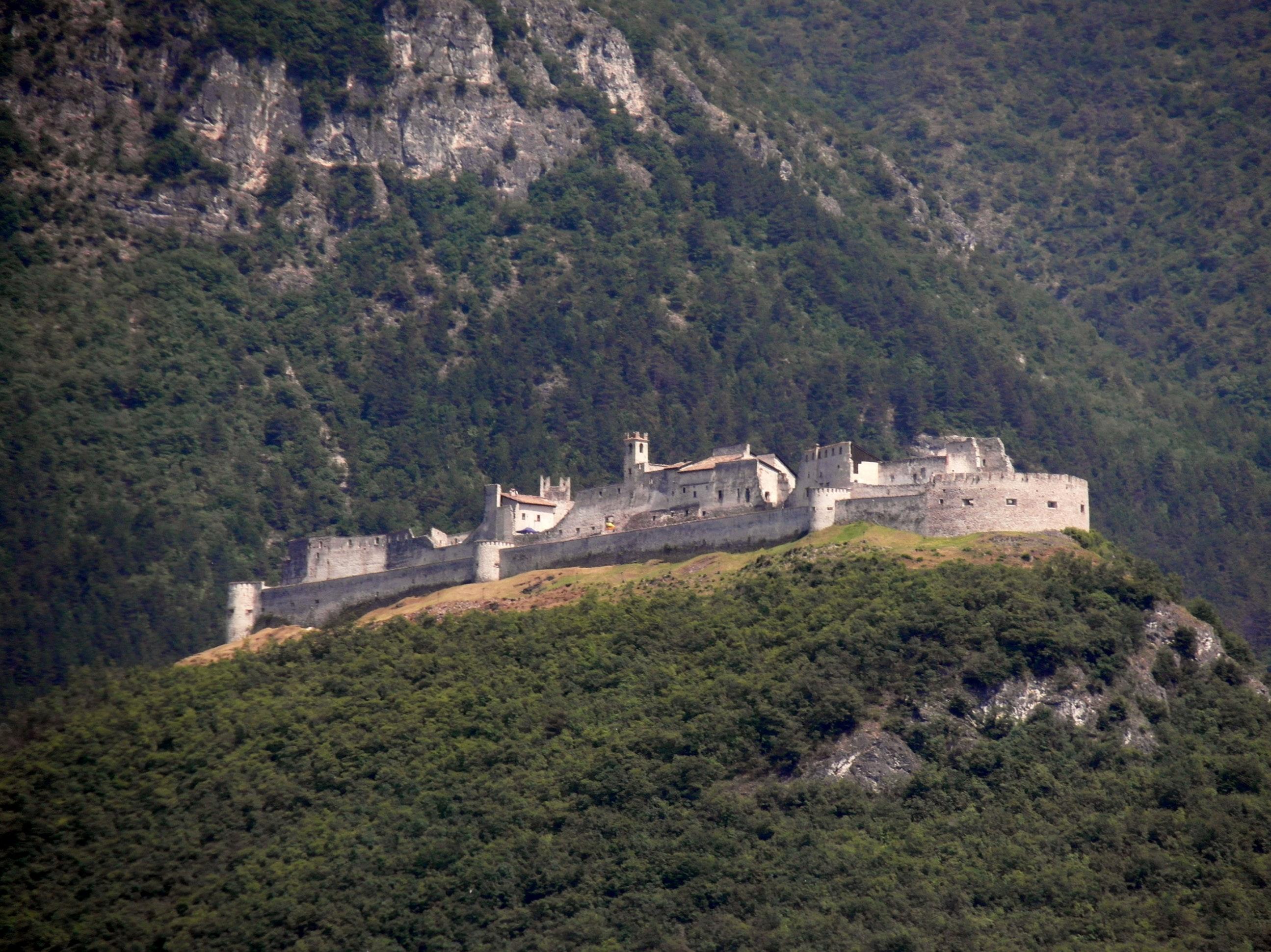 Castel Beseno, CASTELLO DI AVIO, AVIO (TN )