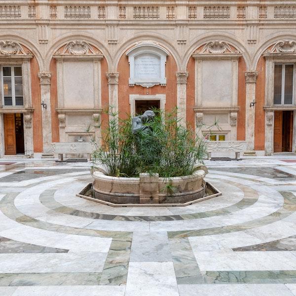 Onori e segreti. I cortili di  Palazzo Madama