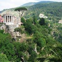 Veduta panoramica con il Tempio di Vesta, PARCO VILLA GREGORIANA, TIVOLI, ROMA