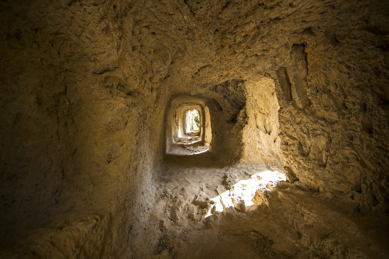 Particolare delle gallerie del generale Sextius Miollis, PARCO VILLA GREGORIANA, TIVOLI, ROMA