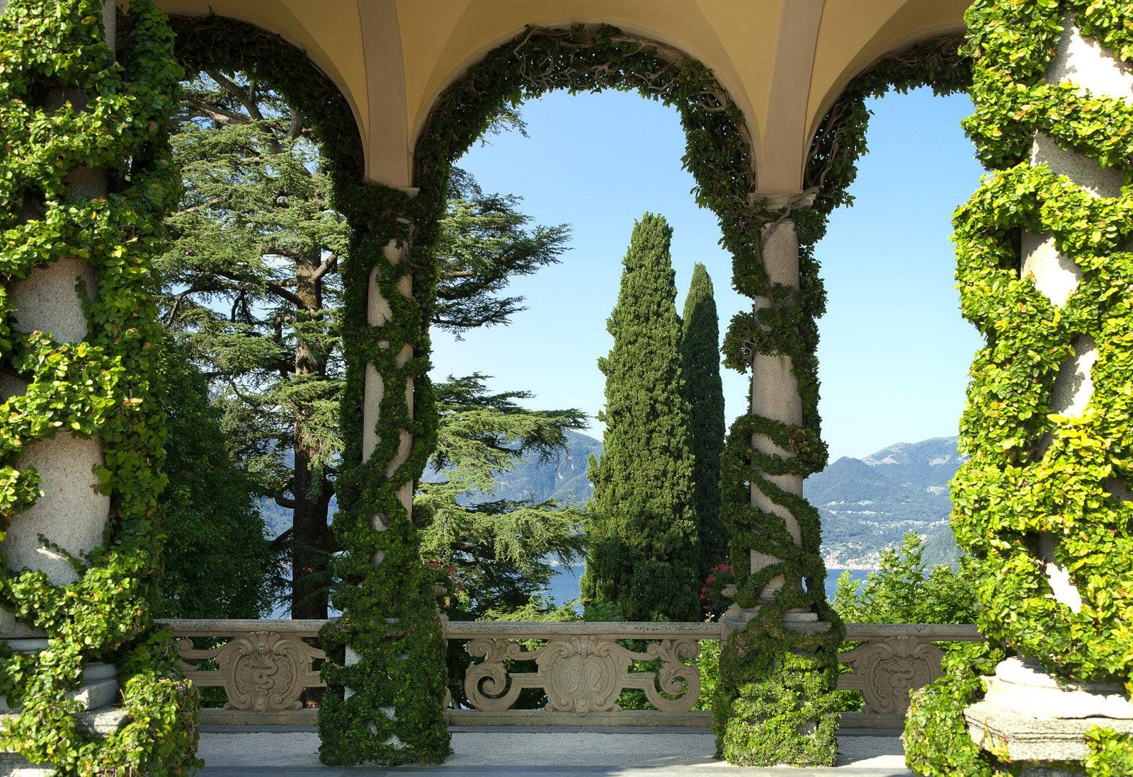 Particolare della Loggia Durini con Ficus Repens, VILLA DEL BALBIANELLO, TREMEZZINA, COMO