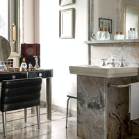 Particolare di uno dei bagni in marmo, VILLA NECCHI CAMPIGLIO, MILANO