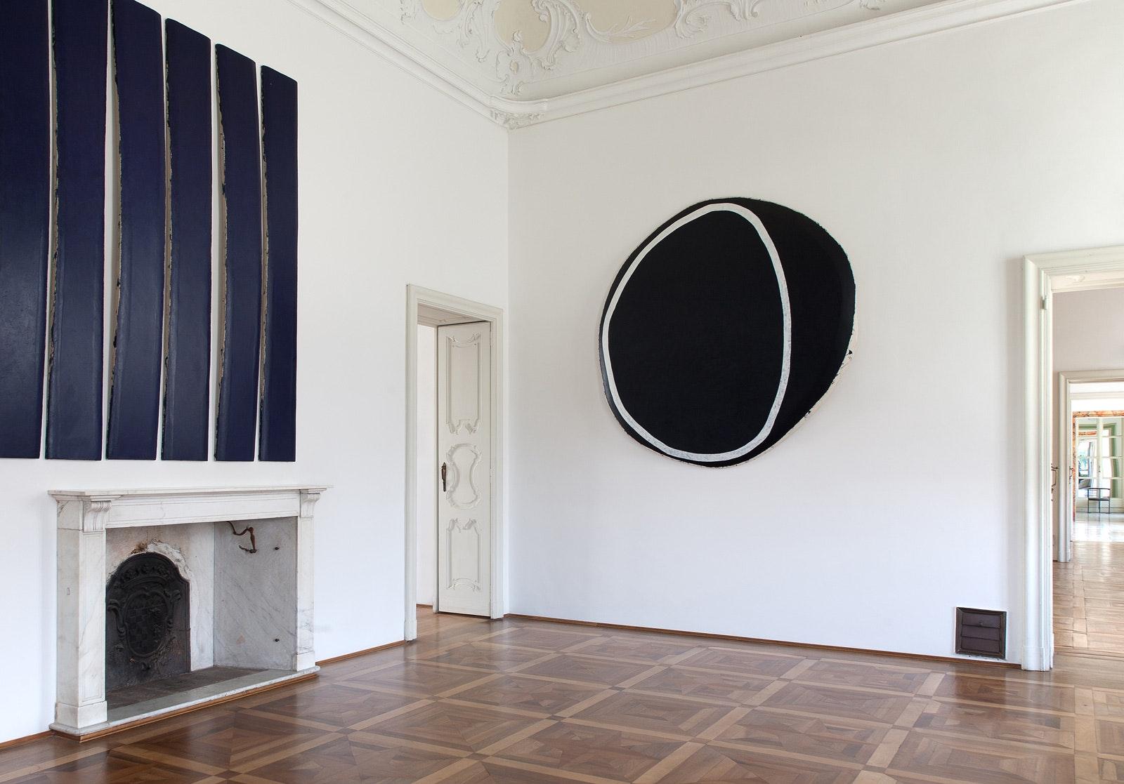 Primo piano, ala sud, con opere di Allan Graham, VILLA E COLLEZIONE PANZA, VARESE